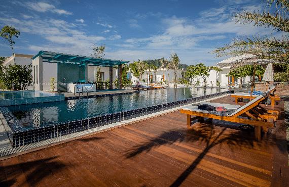 Standard long set resort 01